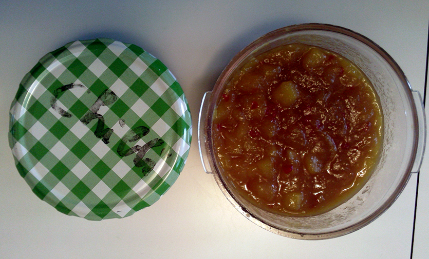 Selbstgemachtes feuriges Chutney.
